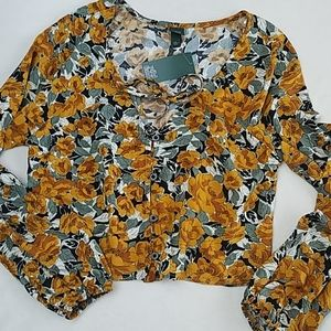 Floral print Long sleeve Cropped top sz Small